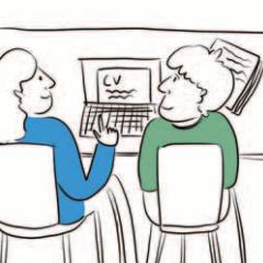 Dwie osoby siedzą przy komputerze. Jedna pisze na komputerze CV, druga jej pomaga.