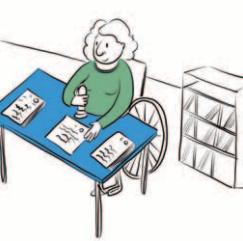 Osoba na wózku inwalidzkim siedzi przy stole i przybija pieczątki.