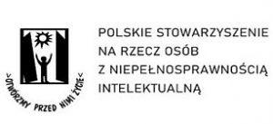 Logo Polskie Stowarzyszenie Osób Niepełnosprawnych Intelektualnie; grafika: osoba wychodząca z pomiędzy podwójnych drzwi, wyciągająca ręce do słońca; pod frafiką  tekst w półkolu >Otwórzmy przed nami życie<.