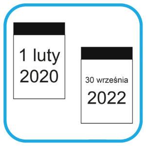 Dwie kartki z kalendarza. Na kartce po lewej stronie jest data 1 lutego 2020r, na drugiej 30 września 2022 rok.