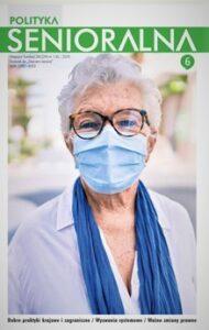 Okładka czasopisma Polityka Senioralna. Na okładce seniorka w okularach z maseczką na twarzy. Seniorka ma białą koszulę i błękitny szalik przewieszony przez szyję.